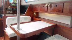 Saloon Table / Double Berth