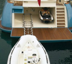 Carine Yachts  - Luxury Yacht Brokerage   Mochi Craft 74 2005   Photo 13