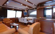 Carine Yachts  - Luxury Yacht Brokerage   Mochi Craft 74 2005   Photo 14