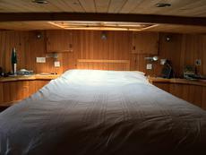 Master / Aft Cabin - bed & deck-hatch