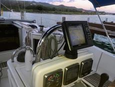 Chartplotter/Wind/Depth & Water Speed/Auto Pilot