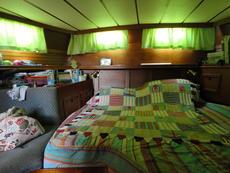 Roomy aft cabin