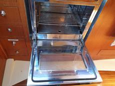 The cooker is an example of the excellent condition