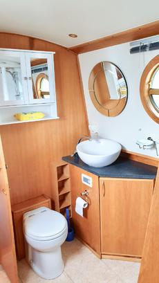 Potch sink and toilet with large cupboard