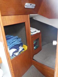 Stern cabin storage