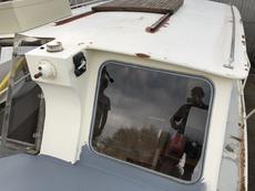 rear salon window and roof hatch
