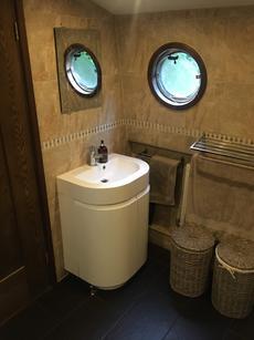 Mixer sink with storage below