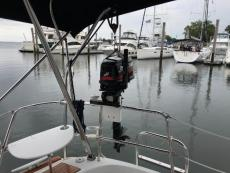 5HP outboard engine with hoist