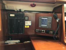 Chart table with: RL70C, stereo/CD player, Xantrax inverter control
