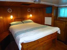 Aft cabin bed from starboard