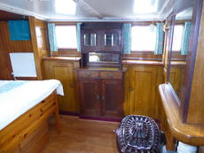 Aft cabin from starboard