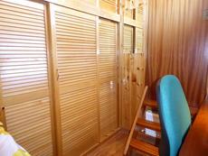 Port cabin wardrobe