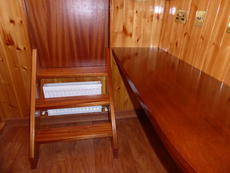 Port cabin desk