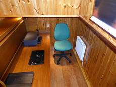 Starboard cabin seen from the saloon