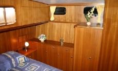 Vri-Jon Contessa 40 Cabin