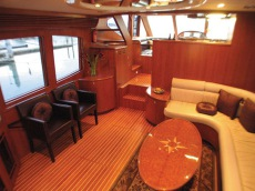 ACTIVA 5800 PILOTHOUSE