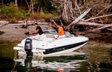 190 Deck Boat