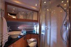 Manhattan 66 Toilet / Shower Room