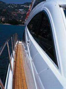 Sealine T60 Side Deck