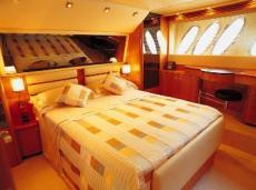 Sealine T60 Master Cabin