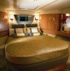 Sealine T60 Forward VIP Cabin