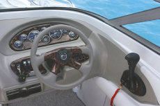 Crownline Bowrider 210 LS - Optional wood trimmed dash and instrument panel, with matching wood trimmed wheel