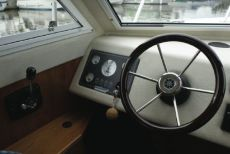 Sheerline740 Centre Cockpit Helm